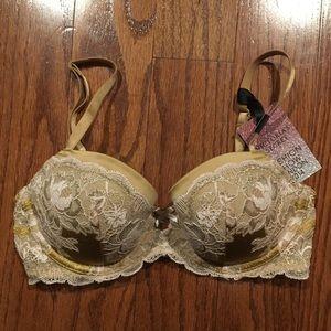 Victoria's Secret Intimates & Sleepwear - Victoria's Secret limited edition bra & panty NWT